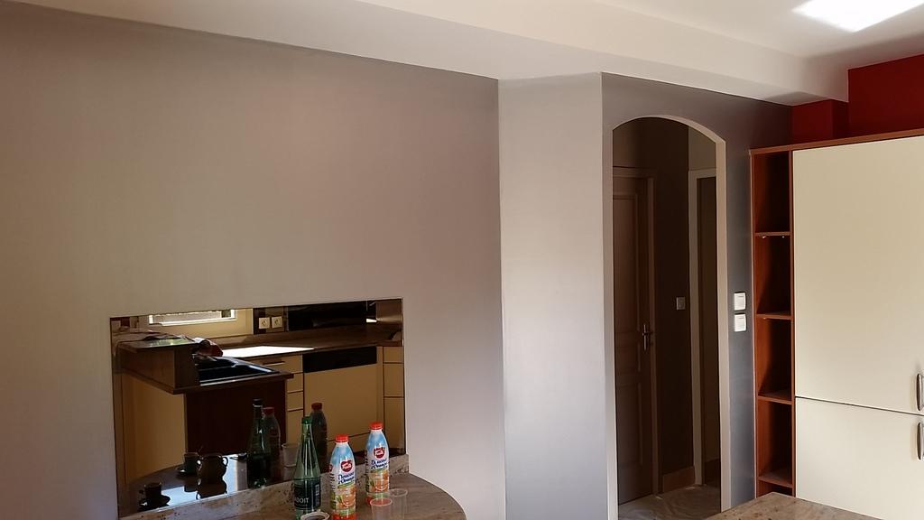lapierre peinture la peinture effet metal. Black Bedroom Furniture Sets. Home Design Ideas